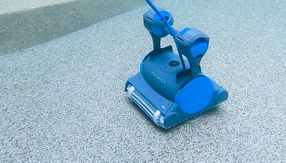 Dolphin Premier Pool Cleaner
